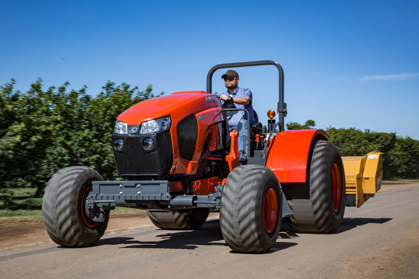 Kubota | Specialty Tractors | M Low Profile