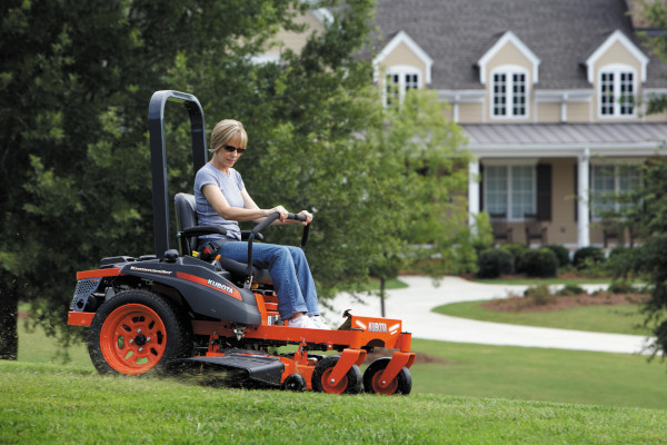 Kubota | Zero-Turn Mowers | Z100 Series - Kommander