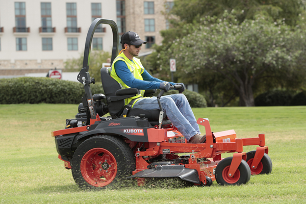 Kubota | Zero-Turn Mowers | Z700 EFI Series