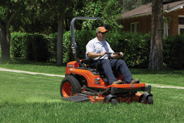 Kubota | Zero-Turn Mowers | ZG200 Series